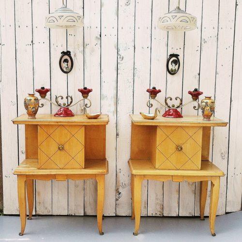 décor chevet sycomore,lampe art déco vases satsuma