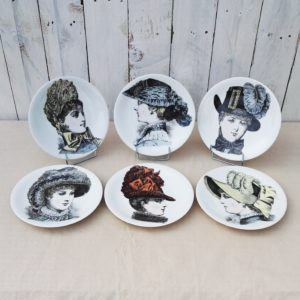 serie six assiettes en porcelaine de Paris
