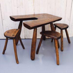 ensemble table et tabouret design brutaliste