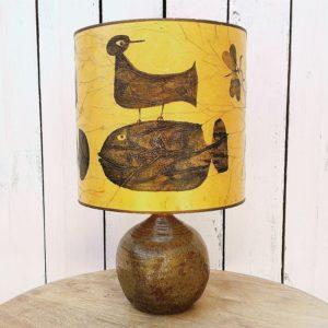 Petite lampe en grès émaillé dans le style de Gustave Tiffoche. Idéal comme lampe d'appoint. Excellent état. Hauteur sans abat-jour : 19,5 cm (Vendue sans abat-jour, il sera bientôt en vente sur le site)